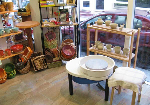 Töpferscheibe im Teeladen Gotha